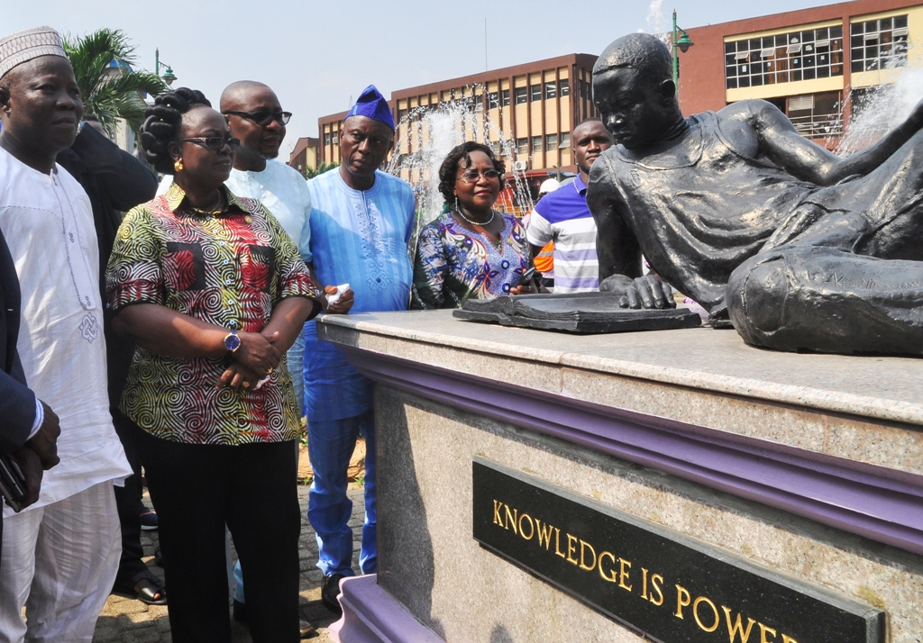 Photo of GOV. AMBODE COMMISSIONS NEWLY UPGRADED TINUBU SQUARE, LAGOS ISLAND