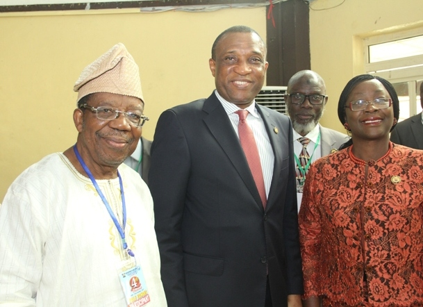 Photo of WE'LL BRIDGE INFRASTRUCTURE GAP BETWEEN THE DIVISIONS, DISTRICTS TO MAKE EVERY PART LIVABLE – AMBODE