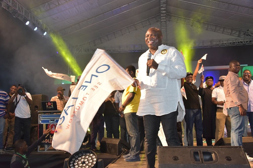 Photo of GOV. AMBODE AT 2017 ONE LAGOS FIESTA IN EPE