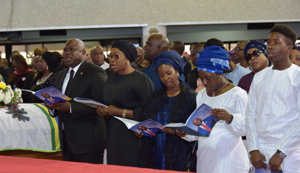 Photo of TEARS, TRIBUTES AS DEJI TINUBU MAKES FINAL JOURNEY HOME