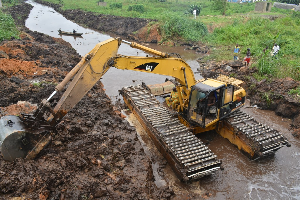 Photo of LSPWC EMBARKS ON MAINTENANCE WORK ON DRAINAGE CHANNELS