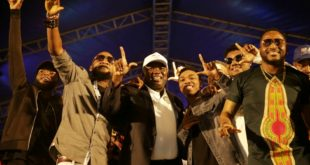 Lagos State Governor, Mr. Akinwunmi Ambode (3rd left), with Hip-Hop/Rap Artist, Dremo; Afro Pop singers, Jazzman Olofin; Mayokun; Rap Artist, CDQ and Yahooze crooner, Olu Maintain during the One Lagos Fiesta at the Badagry Secondary School, Badagry, Lagos, on Wednesday, December 28, 2016.