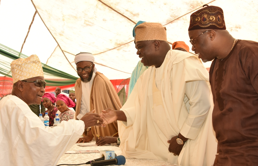 Photo of GOV. AMBODE, FIRST LADY AT EID-EL FITRI CELEBRATION AT EBUTE-METTA, IFAKO-IJAYE AND EPE CENTRES