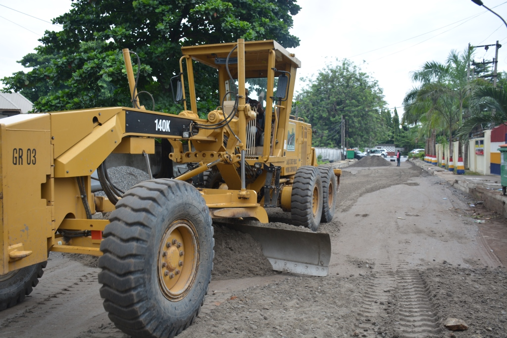 Photo of ONGOING CONSTRUCTION OF OJOMU/RUXTON ROAD, ETI -OSA BY LAGOS STATE PUBLIC WORKS CORPORATION