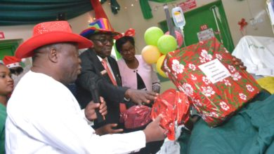Photo of LASG PRESENTS GIFT ITEMS TO HOSPITAL PATIENTS
