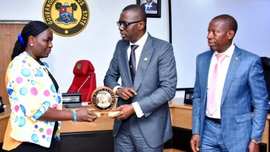 Photo of GOV.  SANWO-OLU RECEIVES OVERALL BEST TEACHER AND BEST SCHOOL ADMINISTRATOR IN NIGERIA AT LAGOS HOUSE, ALAUSA, IKEJA ON MONDAY, OCTOBER 14, 2019