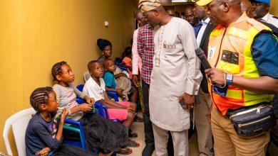 Photo of GOV. SANWO-OLU VISITS VICTIMS OF ABULE-EGBA PIPELINE EXPLOSION AT THE IGANDO RELIEF CAMP ON SATURDAY, JANUARY 25, 2020.