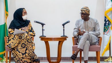 Photo of GOV. SANWO-OLU RECEIVES FEDERAL GOVERNMENT DELEGATION LED BY HUMANITARIAN AFFAIRS MINISTER, SADIYA FAROUQ ON DELIVERY OF COVID-19 INTERVENTION MATERIALS AT LAGOS HOUSE, MARINA, ON FRIDAY, APRIL 10, 2020