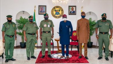 Photo of GOV. SANWO-OLU RECEIVES NEW GOC 81 DIVISION OF THE NIGERIAN ARMY, MAJOR-GENERAL GODWIN UMELO AT LAGOS HOUSE, MARINA, ON THURSDAY, AUGUST 6, 2020