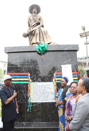 Photo of THE  UNVEILING OF STATUES OF THE FIRST CROWN KING OF LAGOS, KING ADO AND THE LEGENDARY PRINCE OLOFIN ATEKOYE,