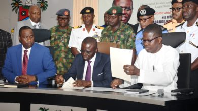 Photo of GOV SANWO-OLU MEETS SECURITY CHIEFS, SIGNS FIRST EXECUTIVE ORDER ON ENFORCEMENT OF TRAFFIC AND SANITATION MATTERS AT LAGOS HOUSE, ALAUSA, IKEJA ON THURSDAY, MAY 30, 2019