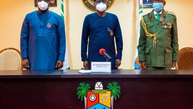 Photo of GOV. SANWO-OLU LAUNCHES Y2021 ARMED FORCES REMEMBRANCE DAY EMBLEM AT LAGOS HOUSE, MARINA, ON TUESDAY, JANUARY 5, 2021