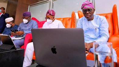 Photo of GOVERNORS SANWO-OLU, ABIODUN, FAYEMI, OYETOLA, OTHERS VIRTUALLY ATTEND THE 12TH BOLA TINUBU COLLOQUIUM FROM THE NNAMDI AZIKIWE AIRPORT, ABUJA, ON MONDAY, MARCH 29, 2021