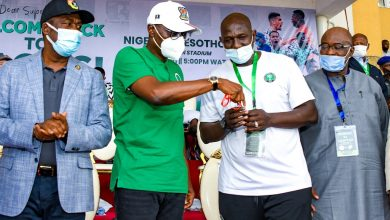 Photo of GOV. SANWO-OLU, HIS DEPUTY ATTEND THE AFCON QUALIFIER BETWEEN THE SUPER EAGLES OF NIGERIA AND CROCODILES OF LESOTHO AT TESLIM BALOGUN STADIUM, SURULERE, ON TUESDAY, MARCH 30, 2021