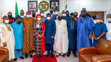 Photo of GOV. SANWO-OLU RECEIVES SENATE COMMITTEE ON REVIEW OF 1999 CONSTITUTION LED BY SENATOR OLUREMI TINUBU, AT LAGOS HOUSE, ALAUSA, IKEJA, ON WEDNESDAY, MAY 26, 2021