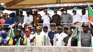 Photo of GOV. SANWO-OLU, HIS DEPUTY, DR. HAMZAT AT PRESENTATION OF PARTY FLAGS TO APC CHAIRMANSHIP CANDIDATES AT THE PARTY SECRETARIAT, ACME ROAD, OGBA, ON SUNDAY, JULY 18, 2021.
