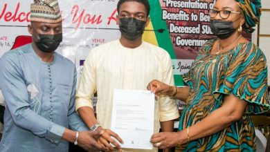Photo of LASG PAYS N364.9M TO FAMILIES OF DECEASED LOCAL GOVERNMENT, SUBEB STAFF