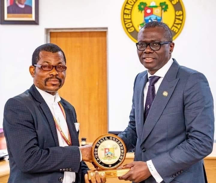 LAGOS COMMISSIONER, TG/PS, OTHERS CELEBRATE DECEASED SCHOOL ADMINISTRATOR